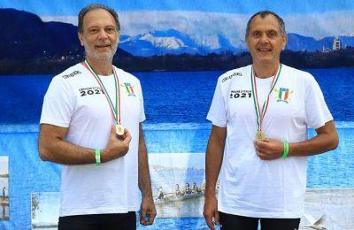Canottaggio, i Master dei Canottieri Irno campioni d'Italia nelle acque di Corgeno